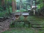八幡宮來宮神社7・石段途中の祠